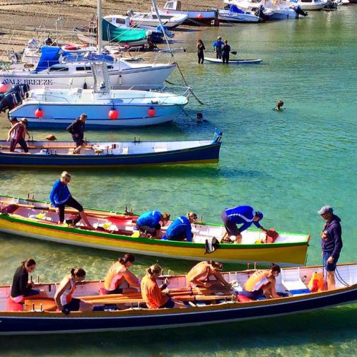 beach-boat-race