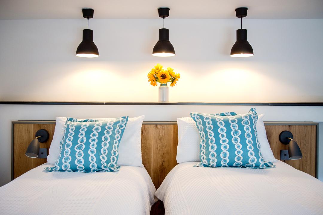 1-bedroom-twin-beds