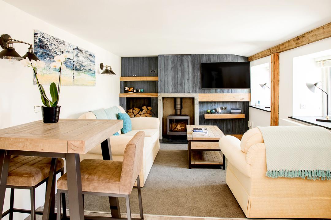 3-lounge-open-plan-colour