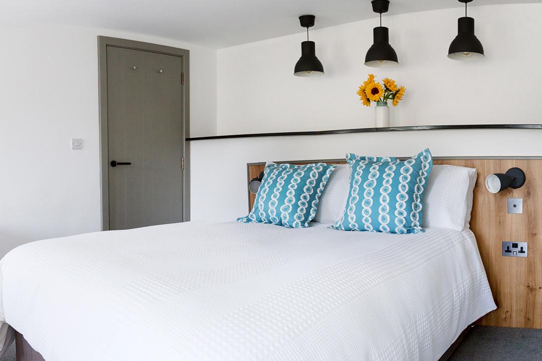4-bedroom-double-inside-door