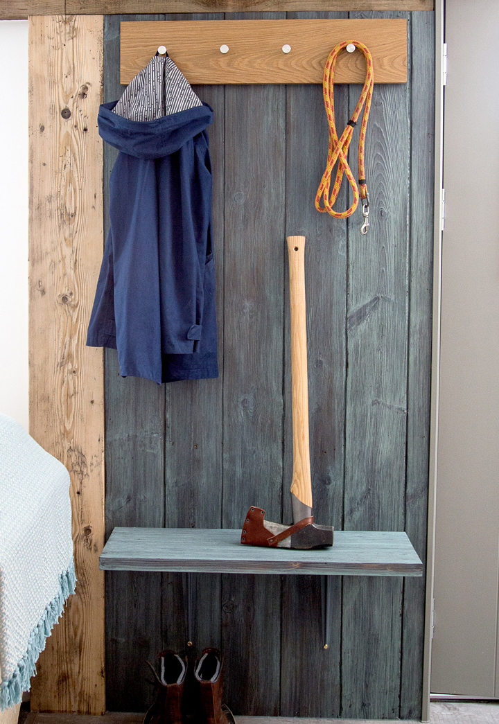 hall-downstairs-entrance-coat-rack